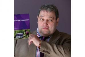 Ukip candidate warns party 'on brink of disintegration'