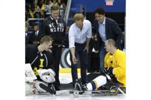 Harry puts the 2017 Invictus Games on ice as he drops puck to start hockey game