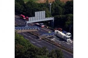 Both M20 carriageways reopened to traffic a day after bridge collapse