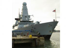 HMS Daring heading to Persian Gulf to help in Islamic State fight